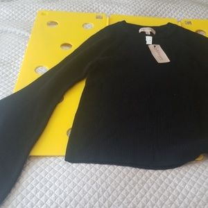 Bell sleeved knit sweater(305)